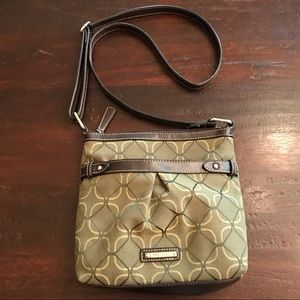 NWOT Nine West Green With Brown Leather Purse
